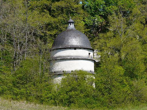 Le pigeonnier du château de Puyguilhem