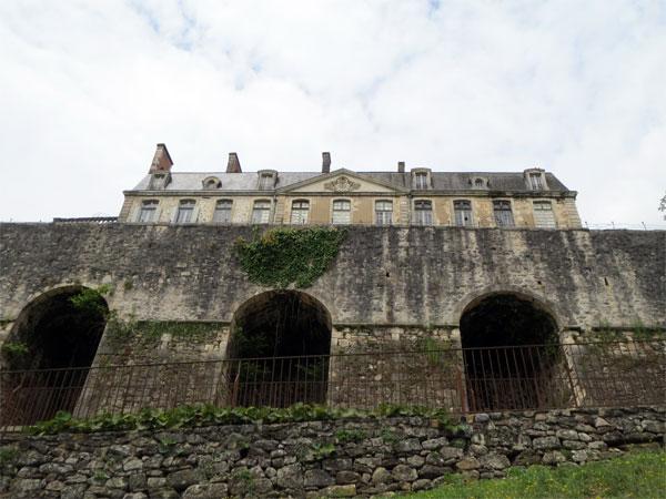 Le château de Nontron vu de très bas