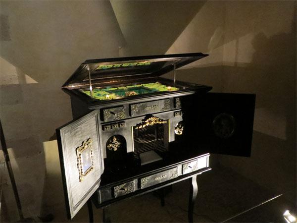 Un cabinet de curiosité tout automatisé