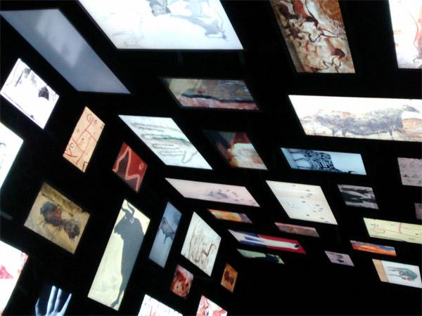 La galerie numérique qui fait le lien entre art pariétal et art contemporain.